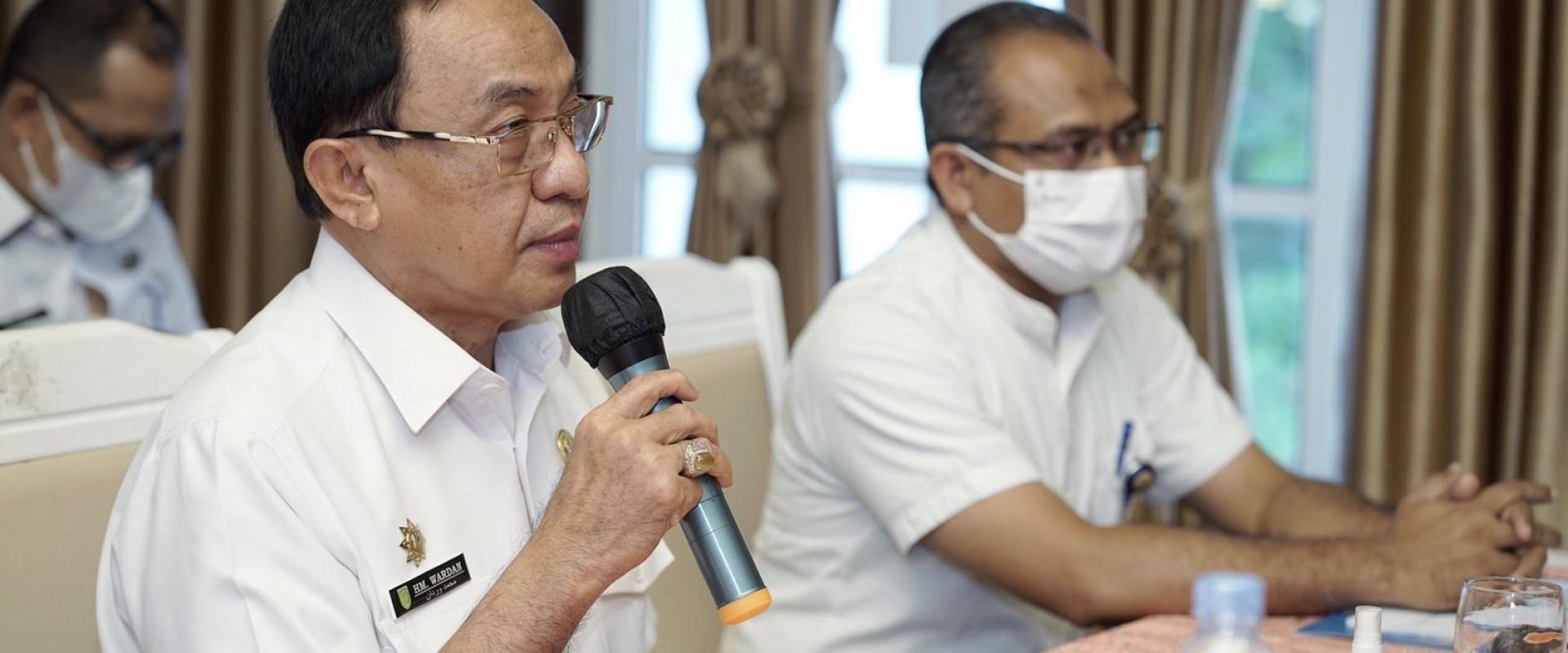 Bupati Inhil HM.Wardan Menjadi Pembicara Pada Acara Webinar Statistik Sektoral (Satu Data Indonesia)