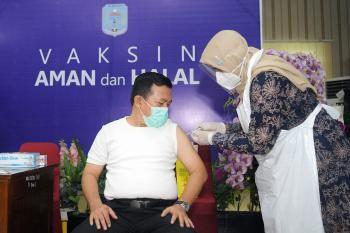 60Al-haris-vaksin-2021.jpg