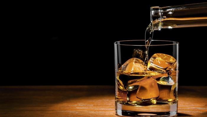 RUU: Peminum Minuman Beralkohol Dibui 2 Tahun Atau Denda Rp 50 Juta