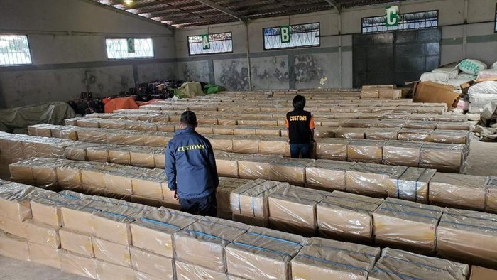 barang-bukti-kasus-penyelundupan-rokok-ilegal-yang-tewaskan-pengusaha-di-kepri_169.jpeg