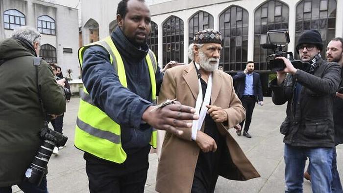 britain-mosque-stabbing_169.jpeg
