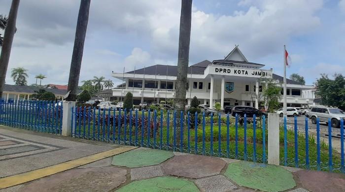 Pagar Gedung DPRD Kota Jambi Bakal Dirombak Ulang, Anggaran Rp. 1,3 Miliar