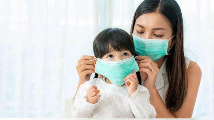 ilustrasi-ibu-dan-anak-memakai-masker-istock--2_ratio-16x9.jpg