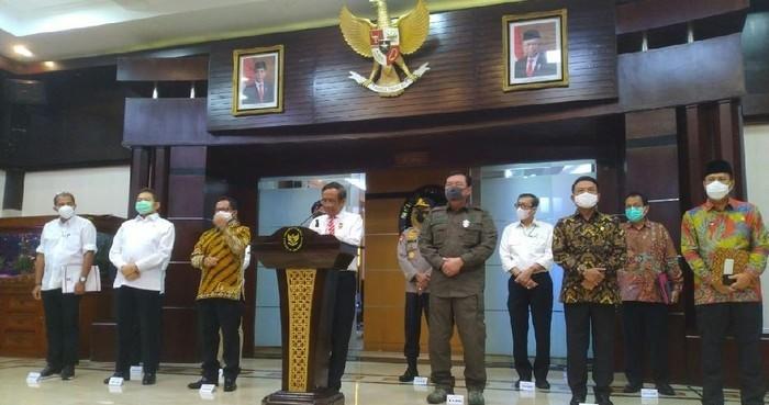 Pemerintah Ungkap Catatan Pidana Umum-Terorisme Anggota FPI