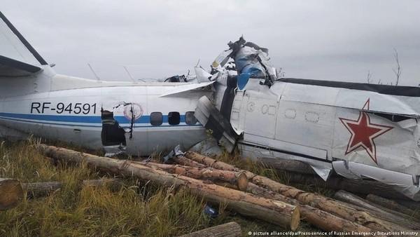 Pesawat Pembawa Penerjun Jatuh di Rusia, 16 Orang Tewas