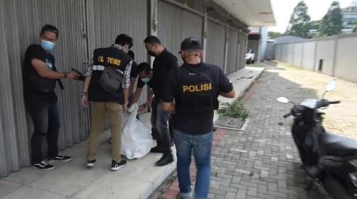 Membawa Sekarung Sabu, Duo Kakak-Beradik Diringkus Polisi