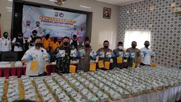 258 Kg Sabu di Pekanbaru berhasil diamankan Satnarkoba Polresta Depok