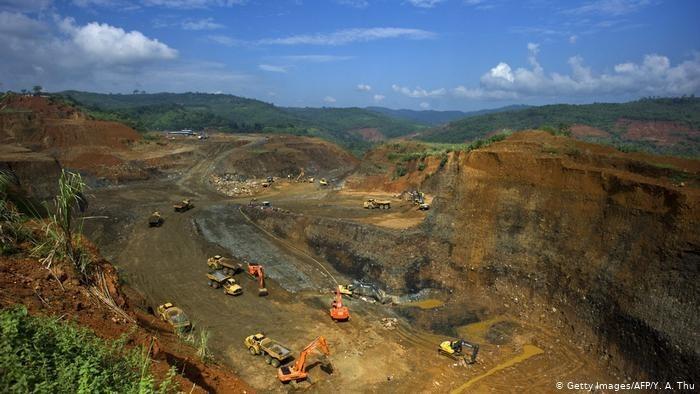tambang-giok-di-hpakant-negara-bagian-kachin-myanmar_169.jpeg