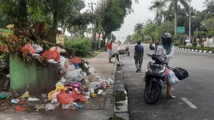 Lelang di 2 Zona Batal, Bagaimana Nasib Sampah di Pekanbaru?
