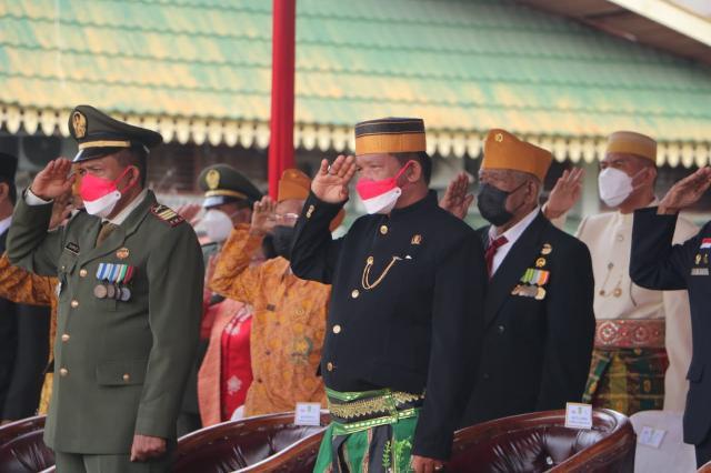 Wakil Ketua DPRD Inhil Andi Rusli, Hadiri Upacara HUT RI ke-76 Tahun 2021 - (Ada 5 foto)